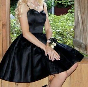 Sherri Hill Short Prom/Homecoming Dress